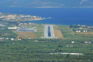 Foto: Michael Benz, https://de.wikipedia.org/wiki/Datei:FlughafenSamos.jpg